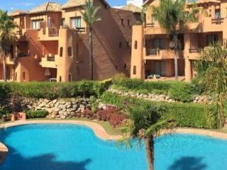 El Retiro Larger Apartment, Estepona