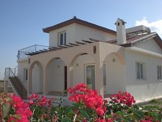 Villa 2 Hoots, Karsiyaka