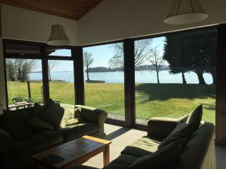 An exceptional well equipped lakeside property