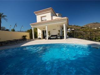 Villa Leticia - Villa lujo con jacuzzi y piscina