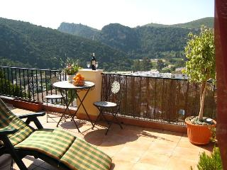 Best location in Village - Sun, views & parking., Benahavis