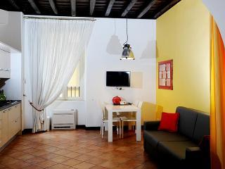 Cavour I apartment in Termini Stazione {#has_luxu…