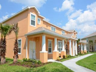 3 bedroom townhouse, private pool, near  disney, Clermont