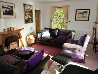 Varis Holiday House, Balmacara - views to Skye
