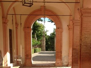 Villa Aureli, large gardens, pool, second floor, Perugia