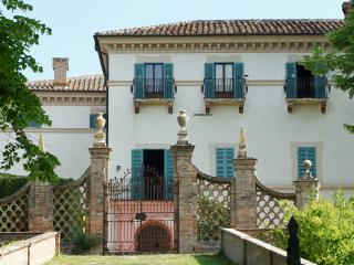 Villa Aureli - First Floor Apartment, Perugia