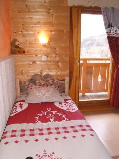possibilité de location de draps 7 € par lit, couvertures et oreillers supplémentaires à disposition