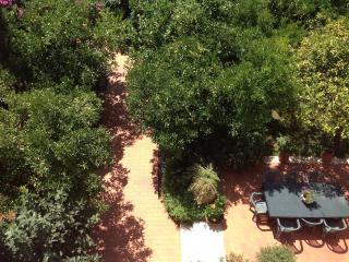 Appartamento in Villa con ampio giardino 1000mq., Fondi