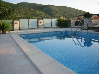 Villa Celenca-Superior Two Bed. Ap. Balcony & Sea, Mokosica