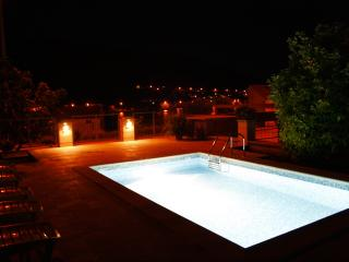 Villa Celenca-Two Bed. Ap. Terrace and Pool View, Mokosica