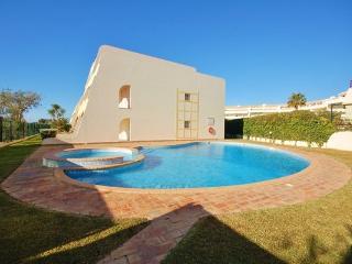 OndaMoura Apt25 with pool and garage, Vilamoura