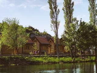 River huts Zrmanja