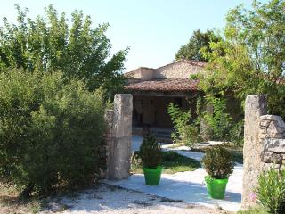 LA PEYRIERE Provencal Country House in Luberon