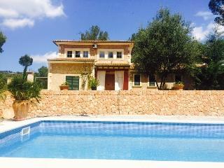 "Casa rural ""Es pi vell"" (Puntiro), Palma de Mallorca"