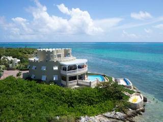 7BR-Cayman Castle, Grand Cayman