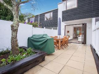 Split level 1 bedroom townhouse apartment on edge of city in Ponsonby, Auckland