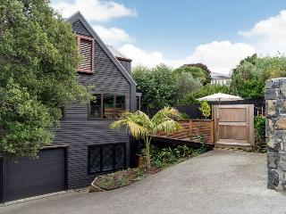 Ponsonby Family Vacation 3 Bedroom Home with Parking Auckland