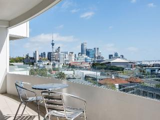 2 Bedroom Serviced Apartment Accommodation in Parnell, Mirage on Strand, Auckland
