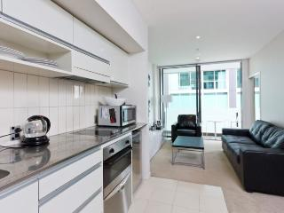 Ground Floor one bedroom apartment in Lighter Quay with balcony., Auckland Central