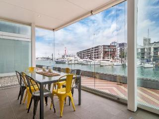 Family Serviced Apartment Viaduct Harbour Auckland with Parking