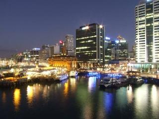 Spacious Waterfront Serviced Condo Apartment in Shed 20 Princes Wharf next to the Hilton Hotel, Auckland Central
