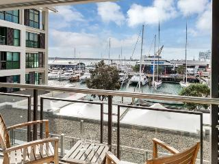 The Quays Large Serviced Apartment,, Auckland Viaduct Harbour with Parking, Auckland Central
