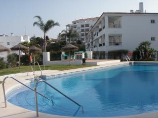 Fantastic Beachside Penthouse w/ seaview near Golf, Mijas
