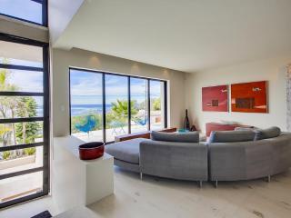 VILLA LUXE-DESIGNER HOME OVERLOOKING SUNSET CLIFFS, San Diego