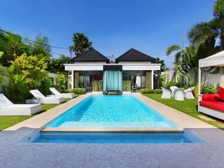 Complex of beautiful and cozy villas 7BR, Seminyak