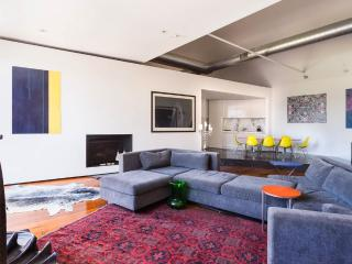 Art Warehouse Apartment St Kilda