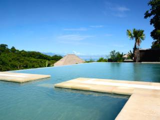 Villa Sianti: Luxury villa with pool, staff and amazing sea view!