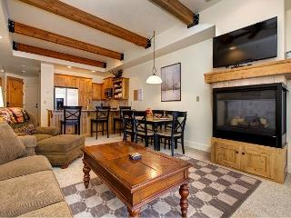 2BR Newpark Townhome w/ Hot Tub, Minutes from Skiing, Shopping, & Restaurant, Park City
