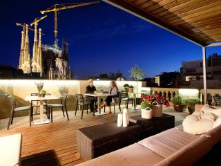 Enjoybcn Gaudi Apartments- Next to Sagrada Familia