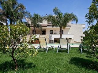 213 Appartamento in Villa con Piscina, Aradeo