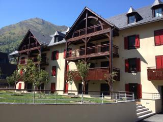Appartement de standing recent 52 m2 Centre village