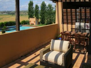 Costabravaforrent Tor 2, up to 6, shared pool
