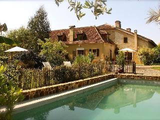 Beautiful country house in the Landes with idyllic garden and pool, Arget