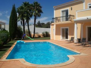 Stunning villa near Almancil, South Central Algarve, w garden, private pool & sea view – sleeps 10