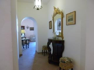 apartment centrally located 5 minutes to the beach, Tropea