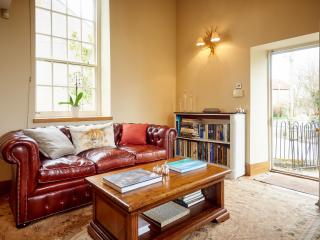 Stunning Self Catering converted chapel, 20 mins from Bath. Ideal for couples