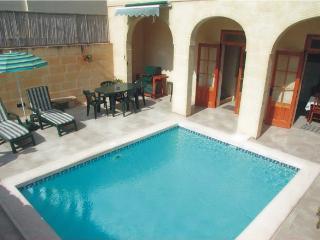 Dar Queen farmhouse with pool, Xaghra