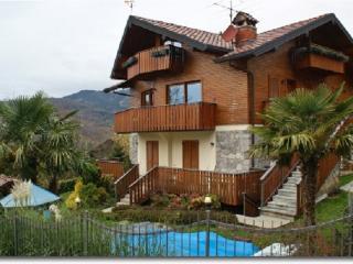 Villa a Serina