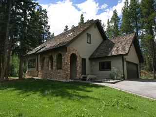 Perfect for a family getaway, minutes from Peak 8!, Breckenridge
