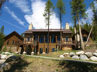 A spacious home with luxurious amenities, elegant design and privacy, Breckenridge