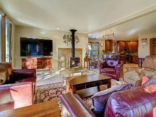 4 Bedroom in town chalet in Historic Breckenridge