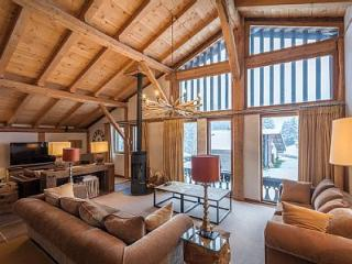 Luxury Ski Chalet in Les Gets, sleeps 12