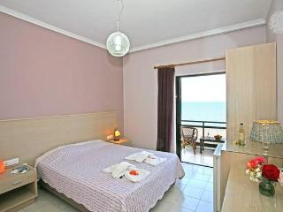 DOUBLE ROOM BY THE SEA