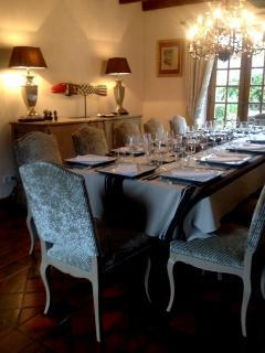 la grande salle à manger du Domaine de Ferchaud