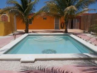 2 Bedroom Beach House Brand New Pool - Romance Fun, Chuburna