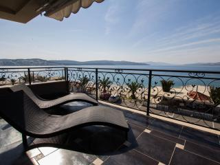 Villa Ivan-on the beach,penthouse